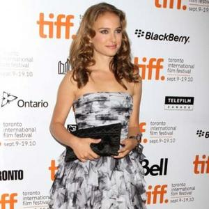 Natalie Portman Enjoying Calm Pregnancy