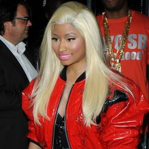 Nicki Minaj Needs Backstage Feast