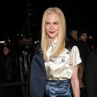 Nicole Kidman's car gets flat tyre
