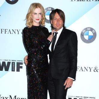 Keith Urban likes being surrounded by women