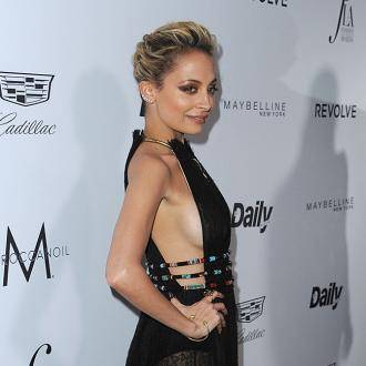 Nicole Richie lets daughter Harlow experiment with beauty
