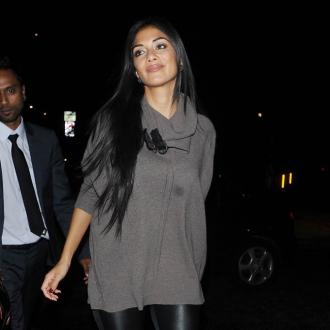 Nicole Scherzinger Flies To La For Funeral
