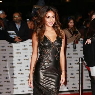 Nicole Scherzinger Eats Comfort Food When Cold