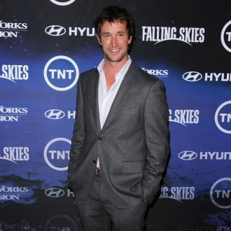 Noah Wyle sent flowers to a stranger