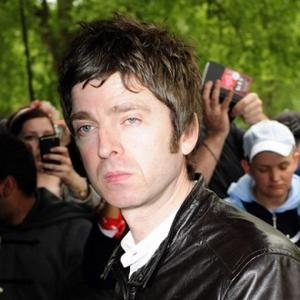 Noel Gallagher's Son Stops The Rock