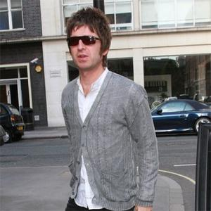 Noel Gallagher Has Video Row With Katie Holmes