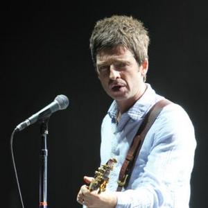 Noel Gallagher Receives Godlike Genius Honour At Nme Awards