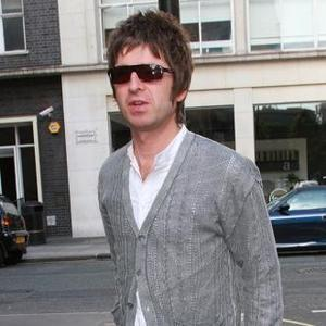 Noel Gallagher Suffers Hair Abuse