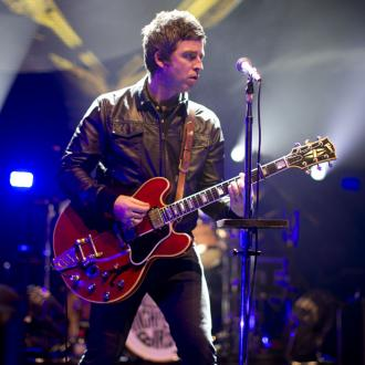 Noel Gallagher performs Don't Look Back In Anger with U2