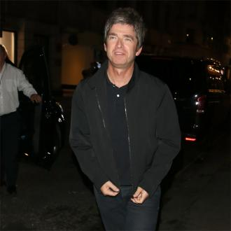 Noel Gallagher makes Oasis scissor pledge
