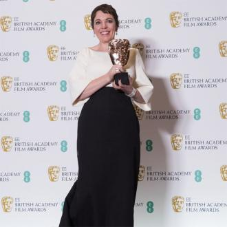 Olivia Colman Dedicates Award To Co-stars