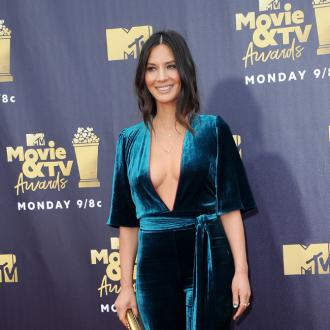 Olivia Munn 'homeschooling' her dogs during lockdown