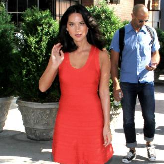 Olivia Munn Wears False Eyelashes