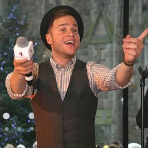 Olly Murs Ignores 'Really Good Looking Girls'