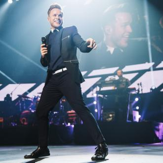 Olly Murs wants to 'match' One Direction's singles chart success