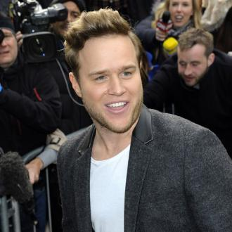 Olly Murs keeps girlfriend happy with dancer snub