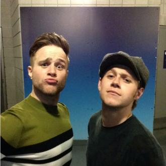 Niall Horan supports Olly Murs