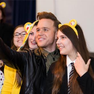 Olly Murs suprises school children with guest appearance