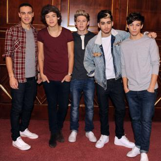 One Direction Win Big At Social Star Awards