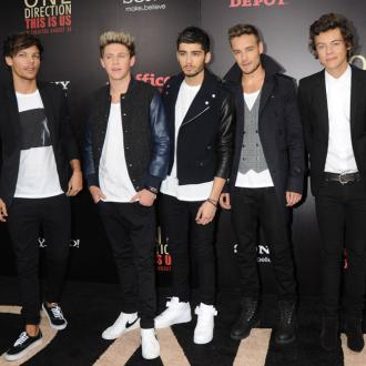One Direction Win Big At Teen Awards