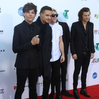 One Direction Dedicate Billboard Award To 'Brother' Zayn Malik