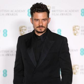 Orlando Bloom displays late dog's skeleton