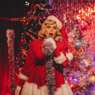 Paloma Faith and Gregory Porter team up for Christmas duet