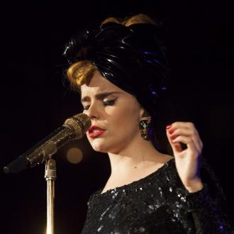 Paloma Faith Finds One Direction Comparisons 'Strange'