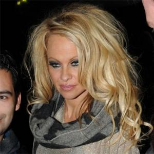 Pamela Anderson Auctioning Car For Haiti