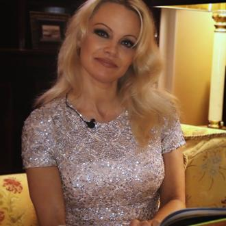 Pamela Anderson Helps Russian Orphans Find Homes