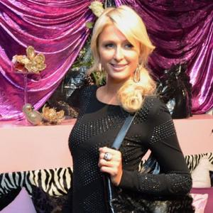 Paris Hilton Wants Royal Wedding Invite