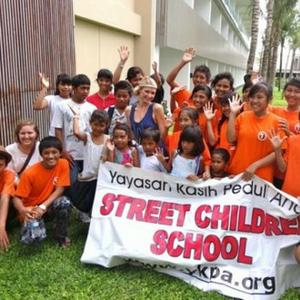 Paris Hilton Visits Orphans In Bali