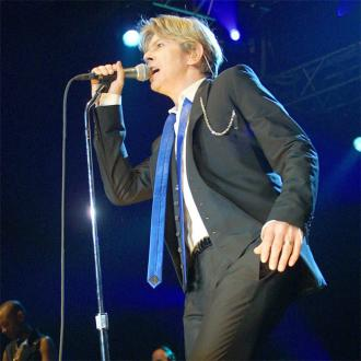 Simon Fuller launches Parlophone bid
