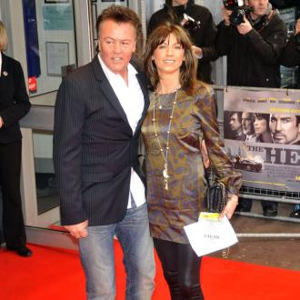 Rod Stewart leads tributes to Paul Young's wife