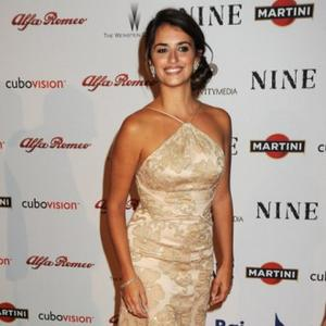 Penelope Cruz Makes Property Buck
