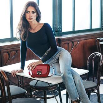 Penelope Cruz Returns As The Face Of Carpisa