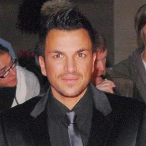 Peter Andre Returns To Stage After Surgery