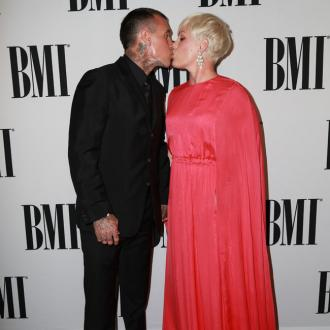 Carey Hart praises wife Pink