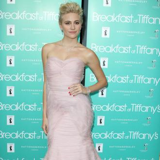 Pixie Lott urges women to 'free the nip'
