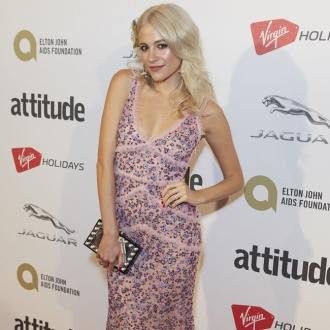 Pixie Lott surprised a bride and groom on their wedding day