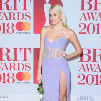 Pixie Lott flashes underwear in red carpet mishap
