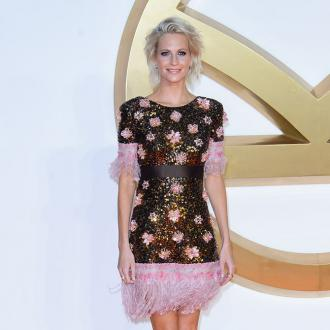 Poppy Delevingne cuts hair into bob