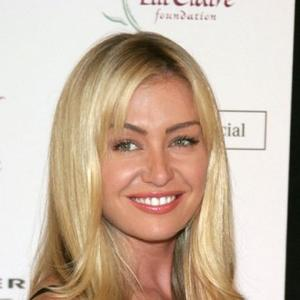 Portia De Rossi Explains Anorexia And Sexuality Struggles