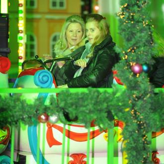 Princess Beatrice rides roller coaster at Winter Wonderland