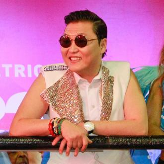 PSY inspired by Freddie Mercury
