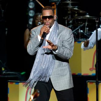 R. Kelly: Chris Brown Is Strong