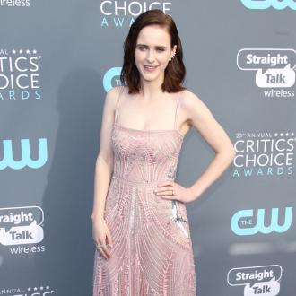 Rachel Brosnahan Keeps Golden Globe In Her Toilet