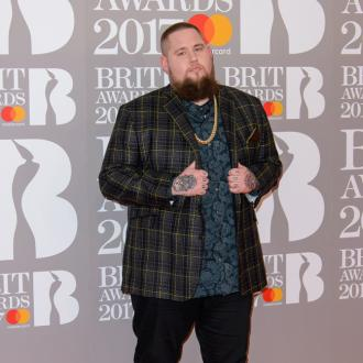 Rag 'N' Bone Man's Eastenders Picture Rider Request
