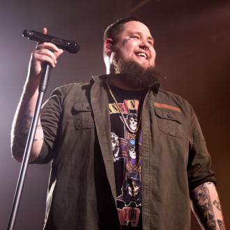 Rag'n'Bone Man gives up his dog and bone