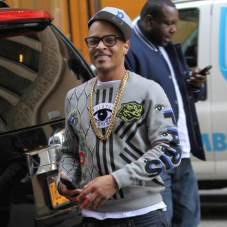 T.i. Spends $20,000 In 30 Minutes On Single Mothers At Christmas